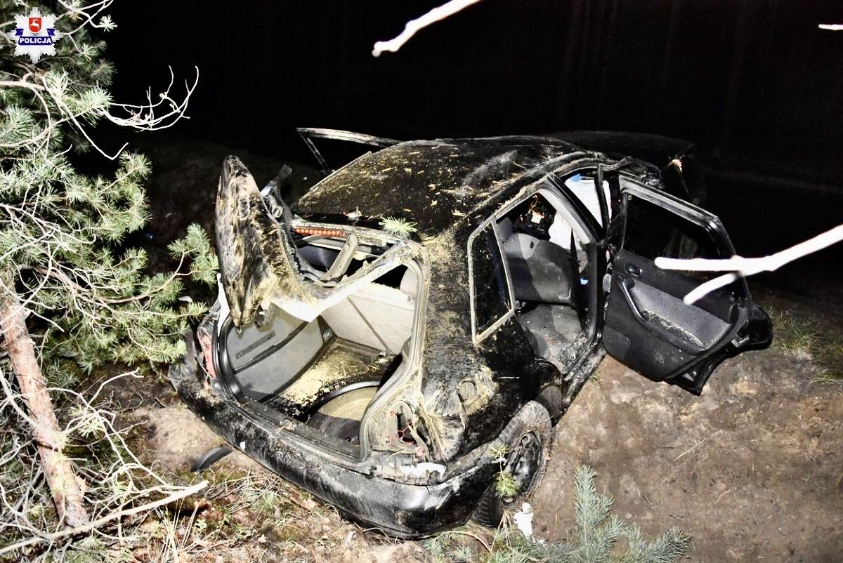 68 159971 32-letni pasażer Audi nie żyje.