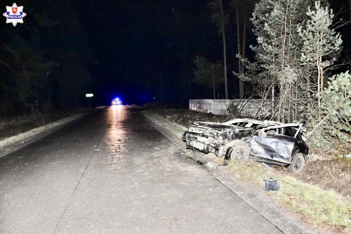 68 159972 32-letni pasażer Audi nie żyje.