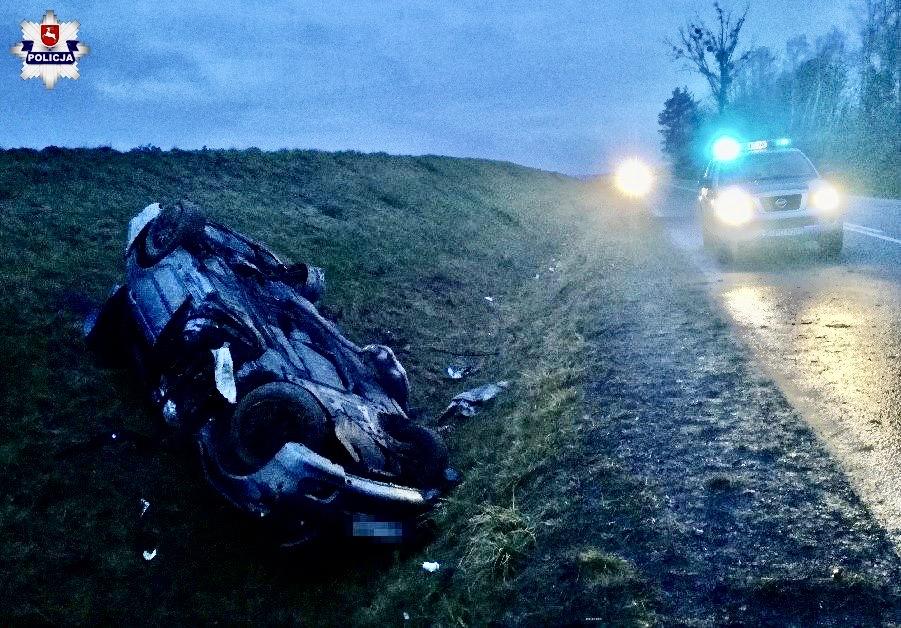 68 160554 2 BMW dachowało na prostym odcinku drogi