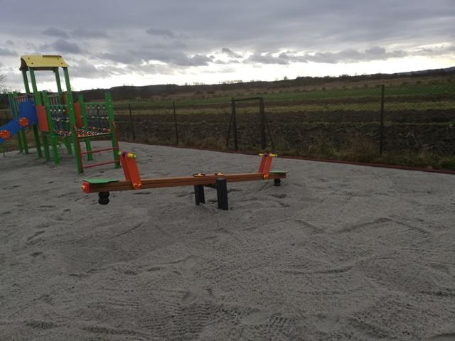 img 20191129 110244 5 1 Szczebrzeszyn: Jest nowe miejsce zabaw dla dzieci