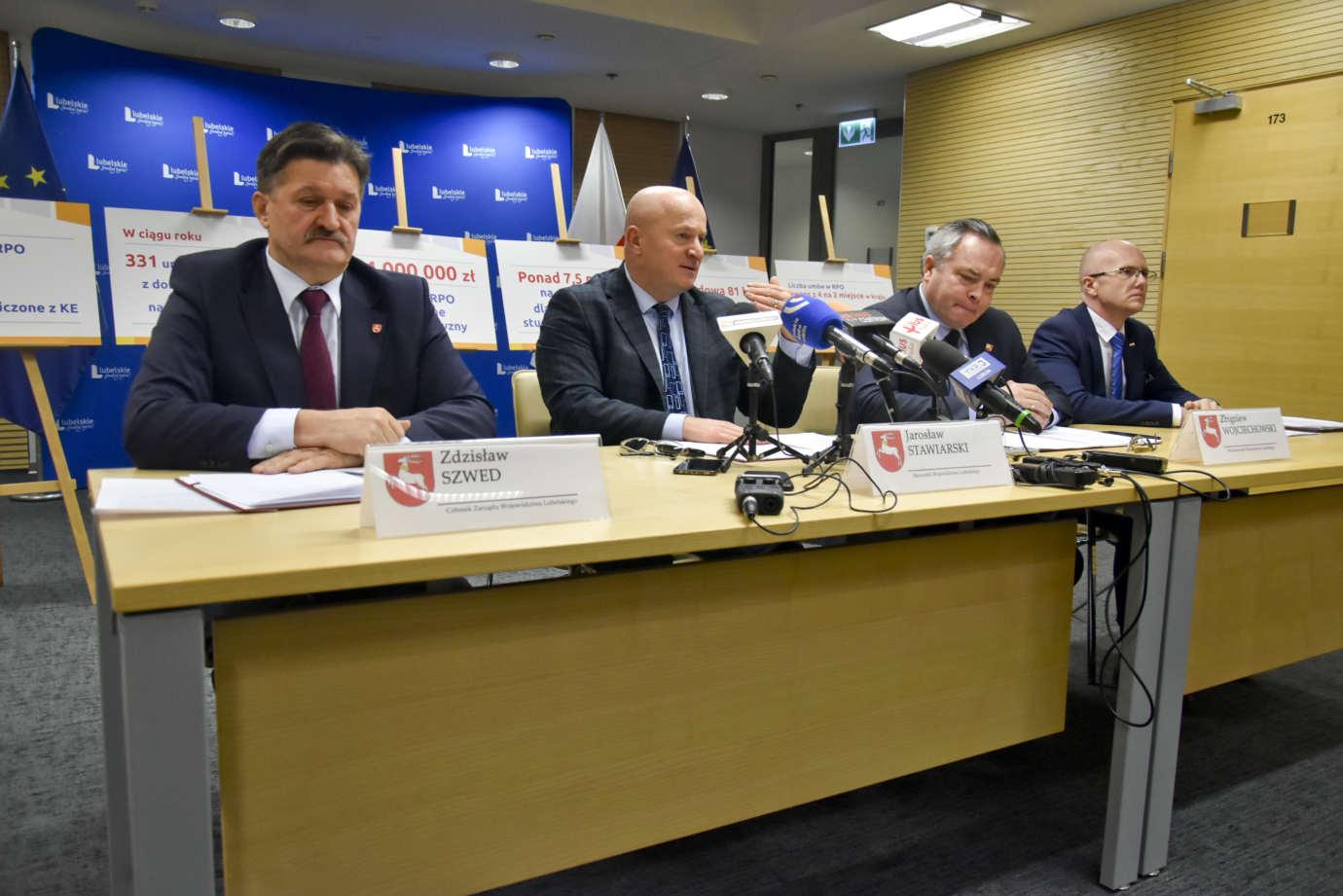 konferencja 10 Sukcesy i porażki. Władze województwa podsumowały pierwszy rok swojej działalności