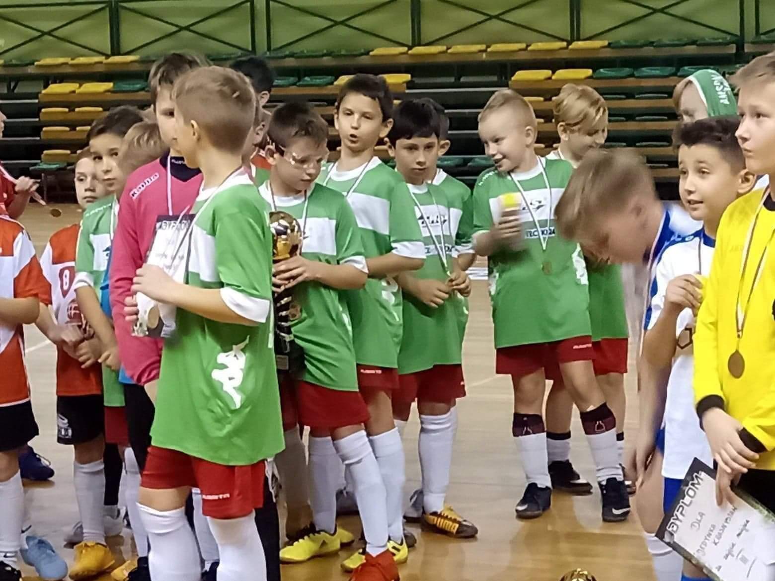 received 593728098047144 Młodzi piłkarze grali o Puchar Dyrektora OSiR Zamość. [KLASYFIKACJA KOŃCOWA, ZDJĘCIA]