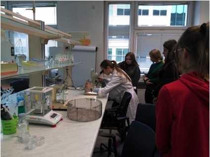 zrzut ekranu 2019 12 9 o 13 47 17 Licealiści w profesjonalnych laboratoriach
