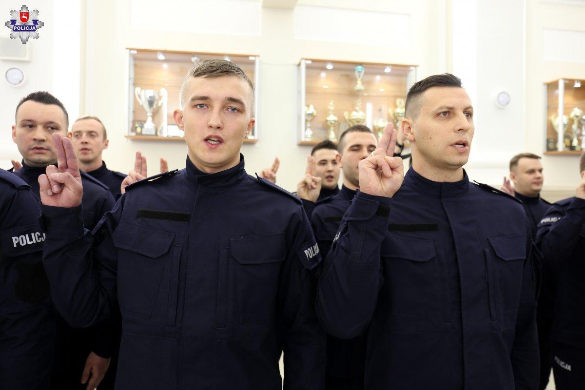 68 161650 Mamy nowych policjantów. Dziś złożyli ślubowanie [ZDJĘCIA]