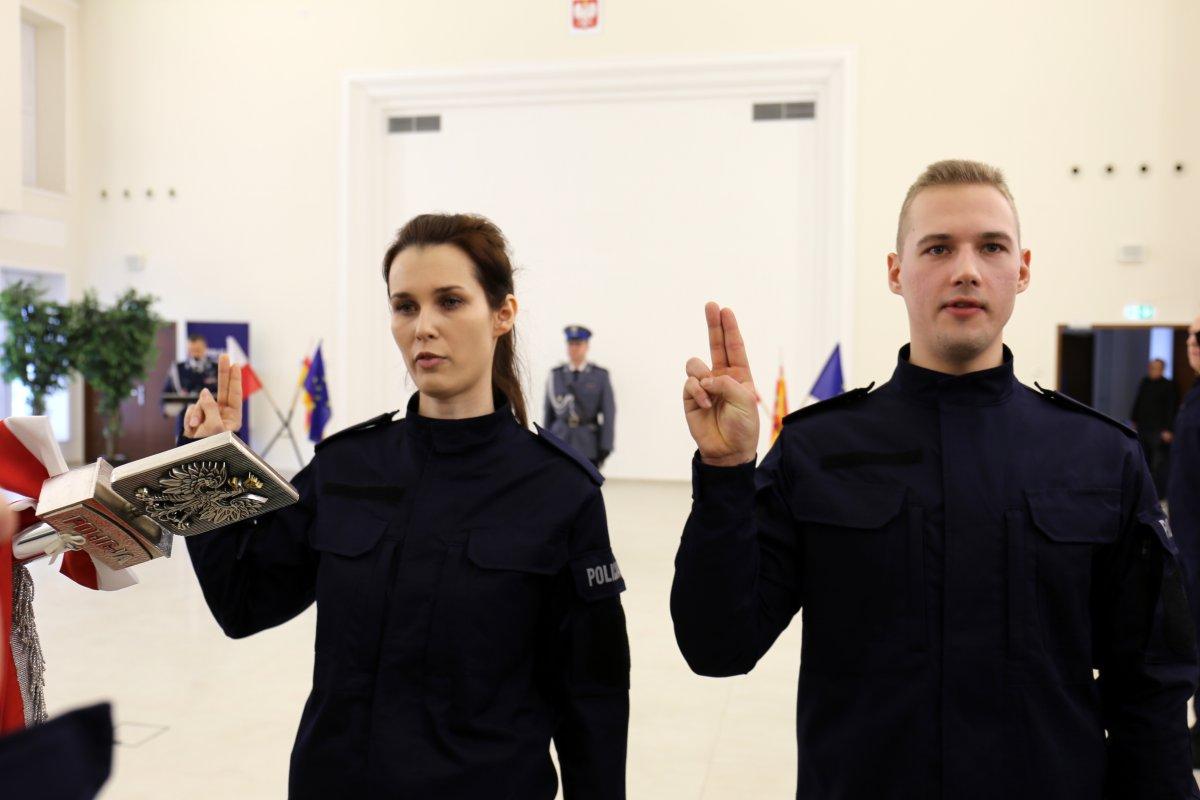 68 161663 g Mamy nowych policjantów. Dziś złożyli ślubowanie [ZDJĘCIA]