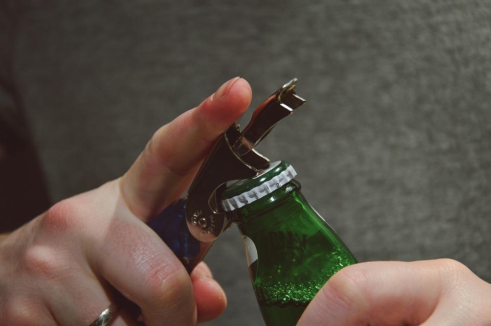 beer 2618337 960 720 Z 2 promilami wsiadł za kółko.