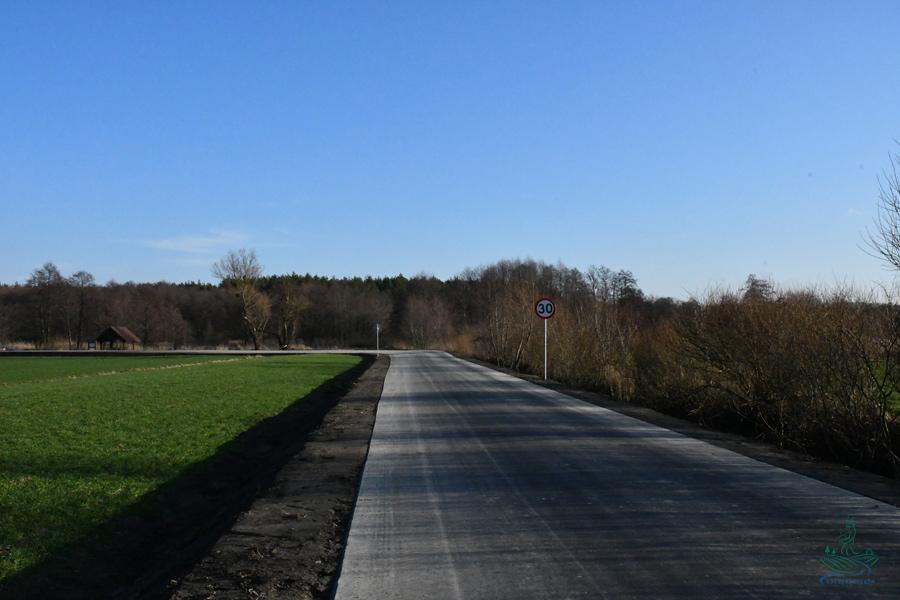dsc 1181 1 1,3 km nowego asfaltu w gm. Szczebrzeszyn