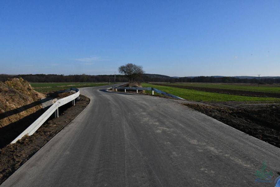 dsc 1185 1,3 km nowego asfaltu w gm. Szczebrzeszyn