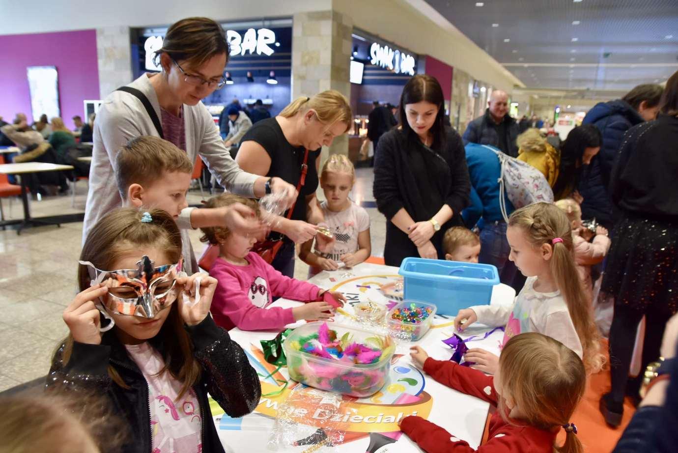 dsc 3901 Zabawa kreatywnych dzieciaków w Galerii Handlowej Twierdza (filmy i zdjęcia)