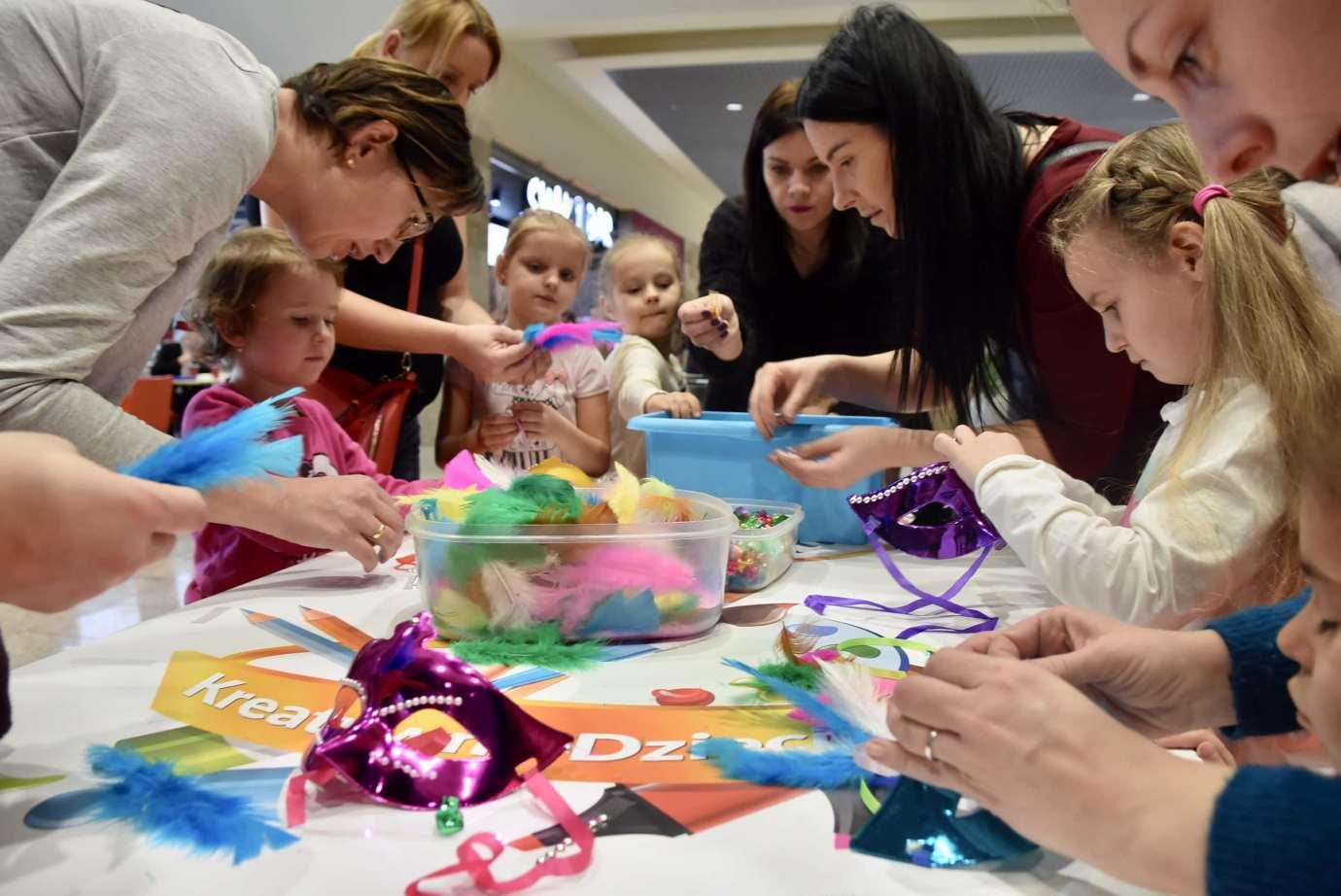dsc 3938 Zabawa kreatywnych dzieciaków w Galerii Handlowej Twierdza (filmy i zdjęcia)