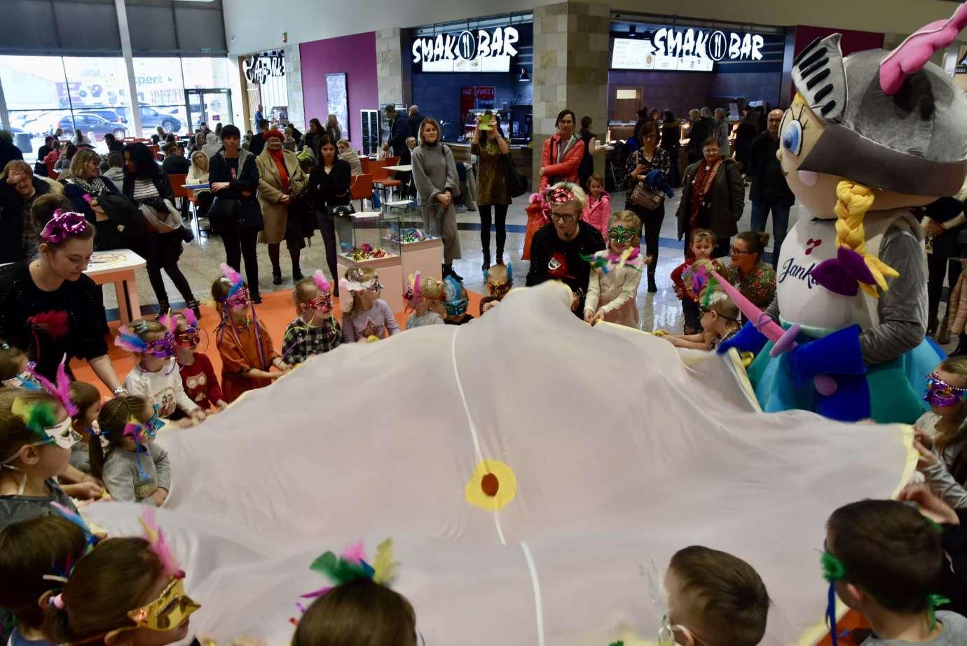 dsc 3995 Zabawa kreatywnych dzieciaków w Galerii Handlowej Twierdza (filmy i zdjęcia)