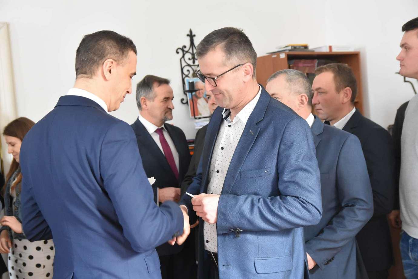 dsc 4058 Zamość: Otwarcie nowego biura poselskiego Jarosława Sachajko. [ZDJĘCIA, FILM]