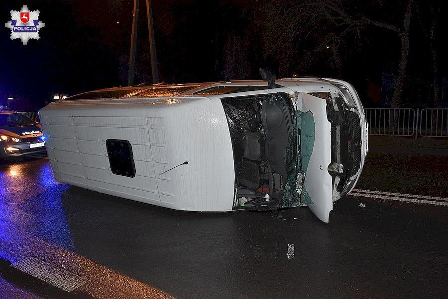 68 162430 Prowadziła auto mając blisko 3 promile. Zderzyła się z busem