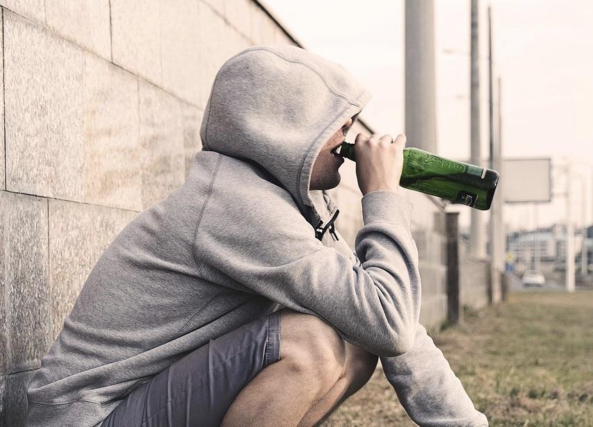 alcoholism treatment 2714477 1280
