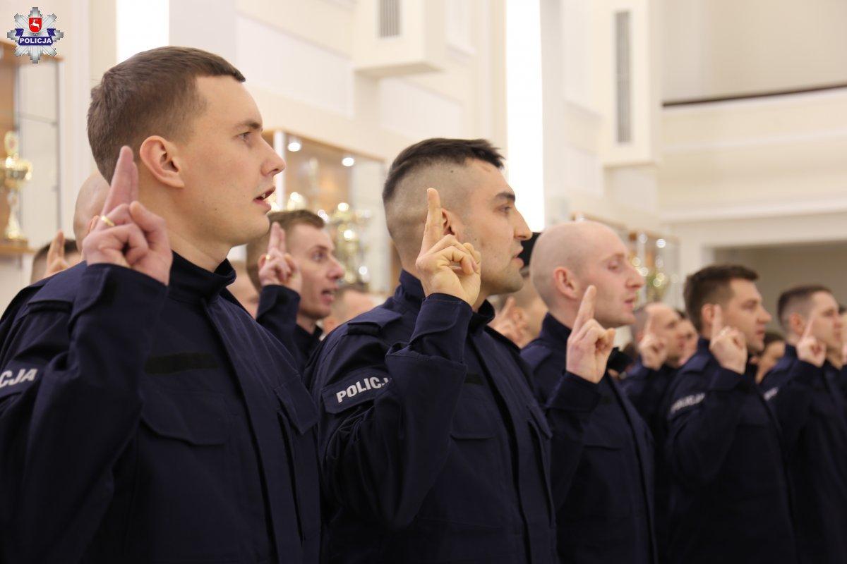 68 164231 Mamy nowych policjantów. [ZDJĘCIA]