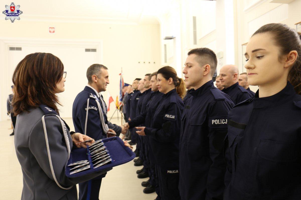68 164233 Mamy nowych policjantów. [ZDJĘCIA]