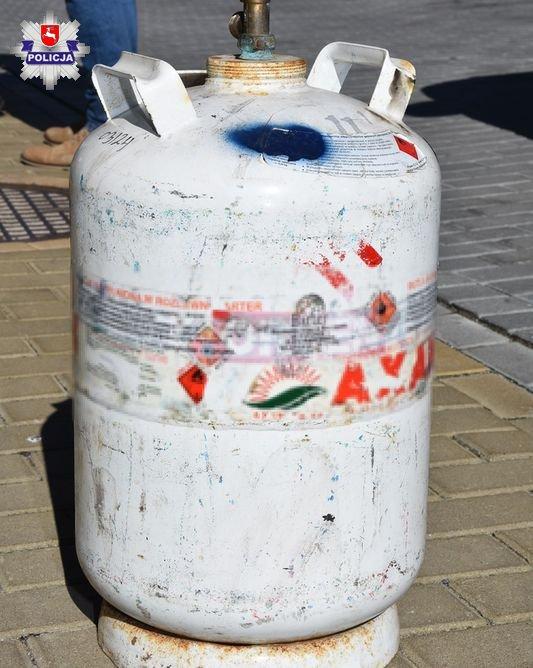 68 164625 Wybuch butli z gazem w bloku mieszkalnym