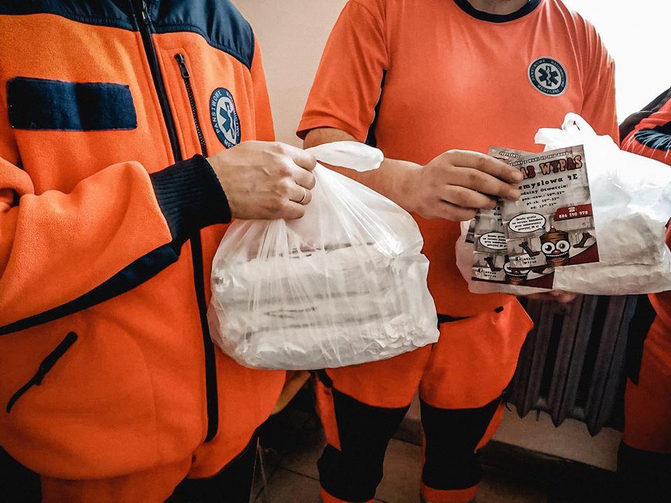 90232851 2993275270737432 6606671582658035712 o Zamość: Restauratorzy z Zamościa wspierają służby medyczne ciepłym posiłkiem