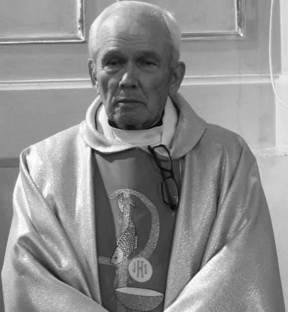 90650126 1345131812337671 460728529185669120 n Zmarł ks. kan. Aleksander Sieciechowicz, wieloletni proboszcz parafii w Łabuniach