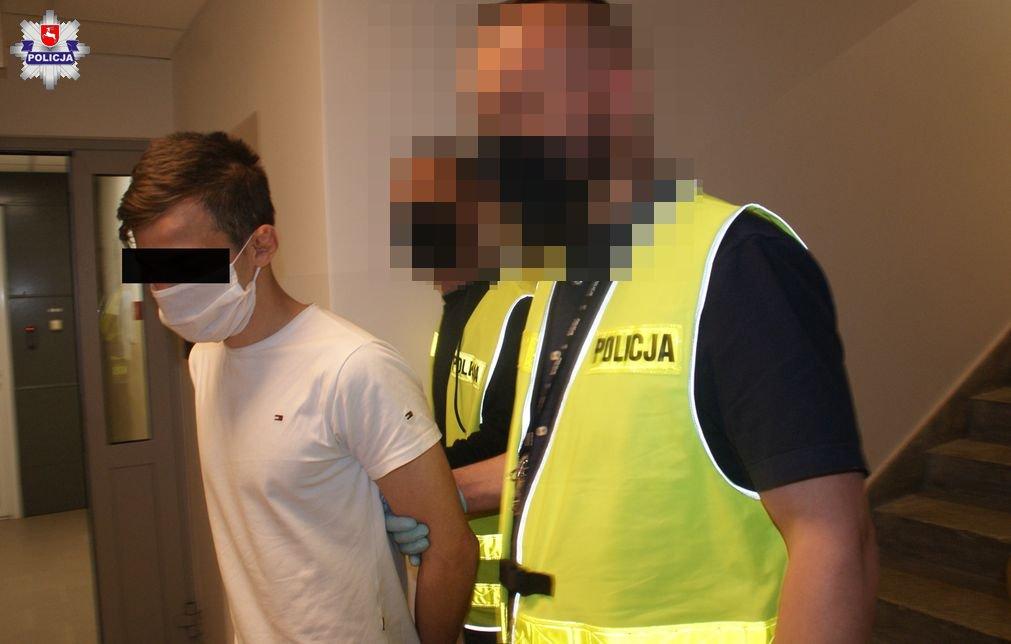 68 166552 Film i zdjęcia z zatrzymania sprawców ataku na młodego chłopaka z zamojskiego osiedla