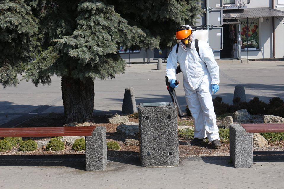 92648320 1126845790999607 5681876776351956992 o W Tomaszowie Lubelskim ruszyła dezynfekcja przestrzeni publicznych
