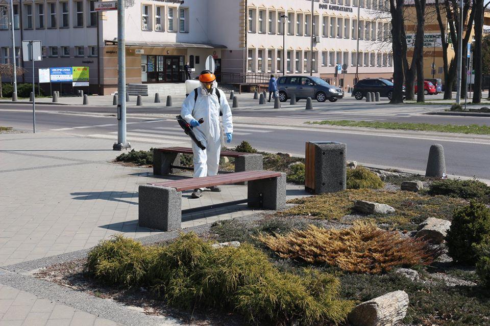 92704918 1126845584332961 2027578421772550144 o W Tomaszowie Lubelskim ruszyła dezynfekcja przestrzeni publicznych