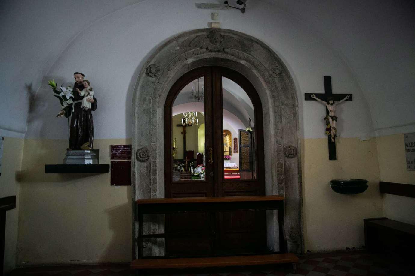 kosciol rektoralny redemptorystow pw sw mikolaja w zamosciu 3 Zdjęcia grobów pańskich w zamojskich świątyniach