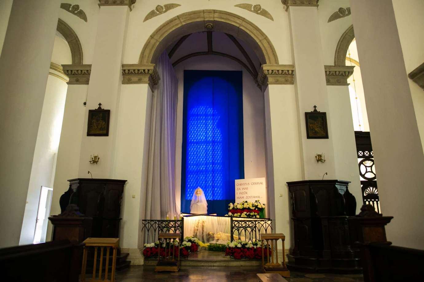 parafia katedralna zmartwychwstania panskiego i sw tomasza apostola w zamosciu 2 Zdjęcia grobów pańskich w zamojskich świątyniach