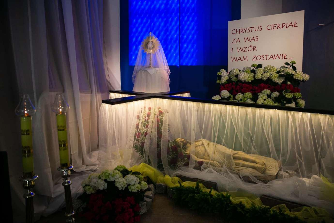parafia katedralna zmartwychwstania panskiego i sw tomasza apostola w zamosciu 4 Zdjęcia grobów pańskich w zamojskich świątyniach