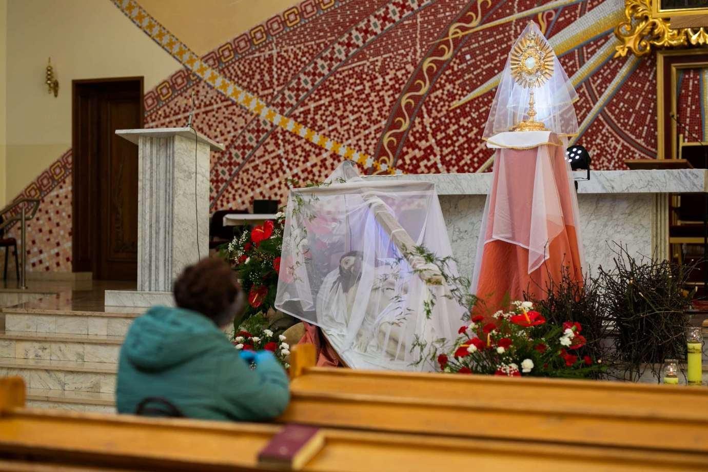 parafia pw matki bozej krolowej polski w zamosciu 4 Zdjęcia grobów pańskich w zamojskich świątyniach