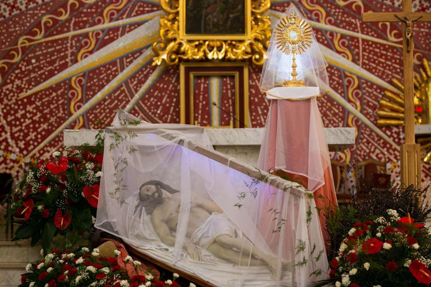 parafia pw matki bozej krolowej polski w zamosciu 6 Zdjęcia grobów pańskich w zamojskich świątyniach