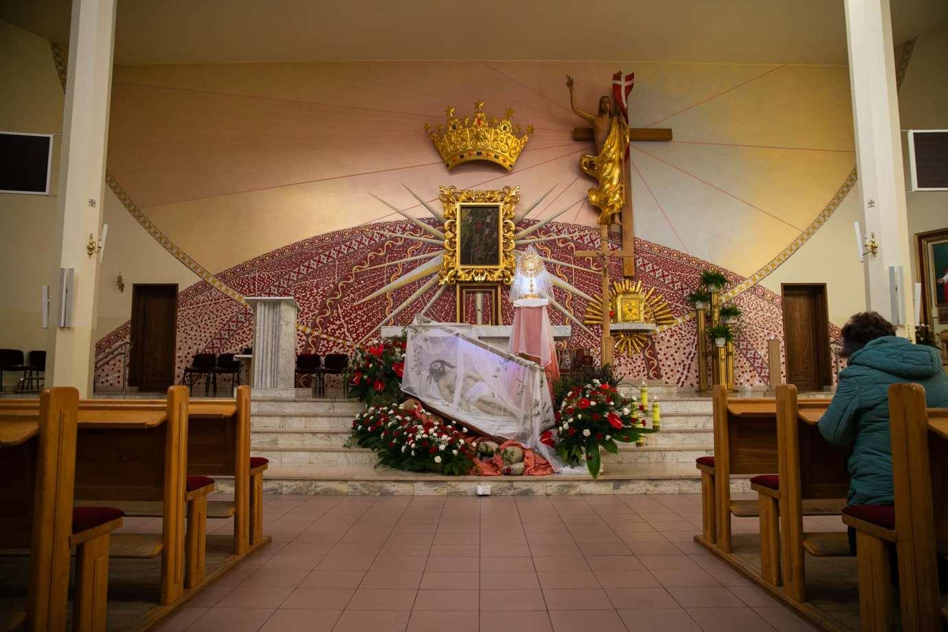 parafia pw matki bozej krolowej polski w zamosciu 7 Zdjęcia grobów pańskich w zamojskich świątyniach