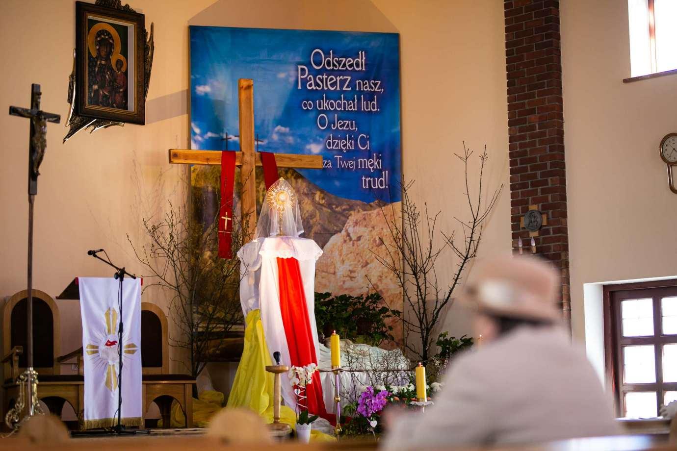 parafia pw milosierdzia bozego w zamosciu 10 Zdjęcia grobów pańskich w zamojskich świątyniach