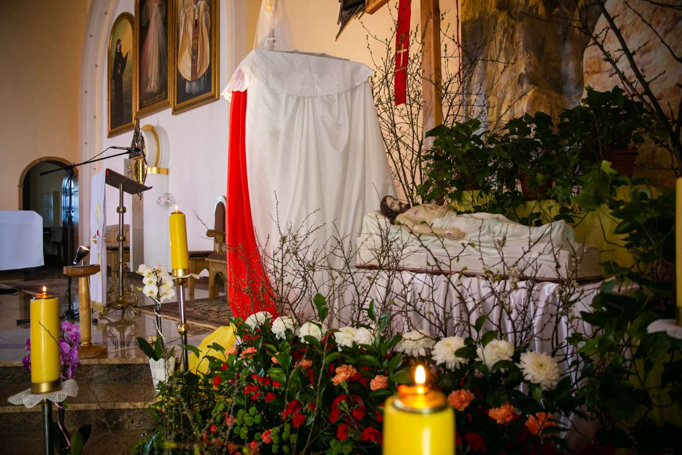 parafia pw milosierdzia bozego w zamosciu 5 Zdjęcia grobów pańskich w zamojskich świątyniach