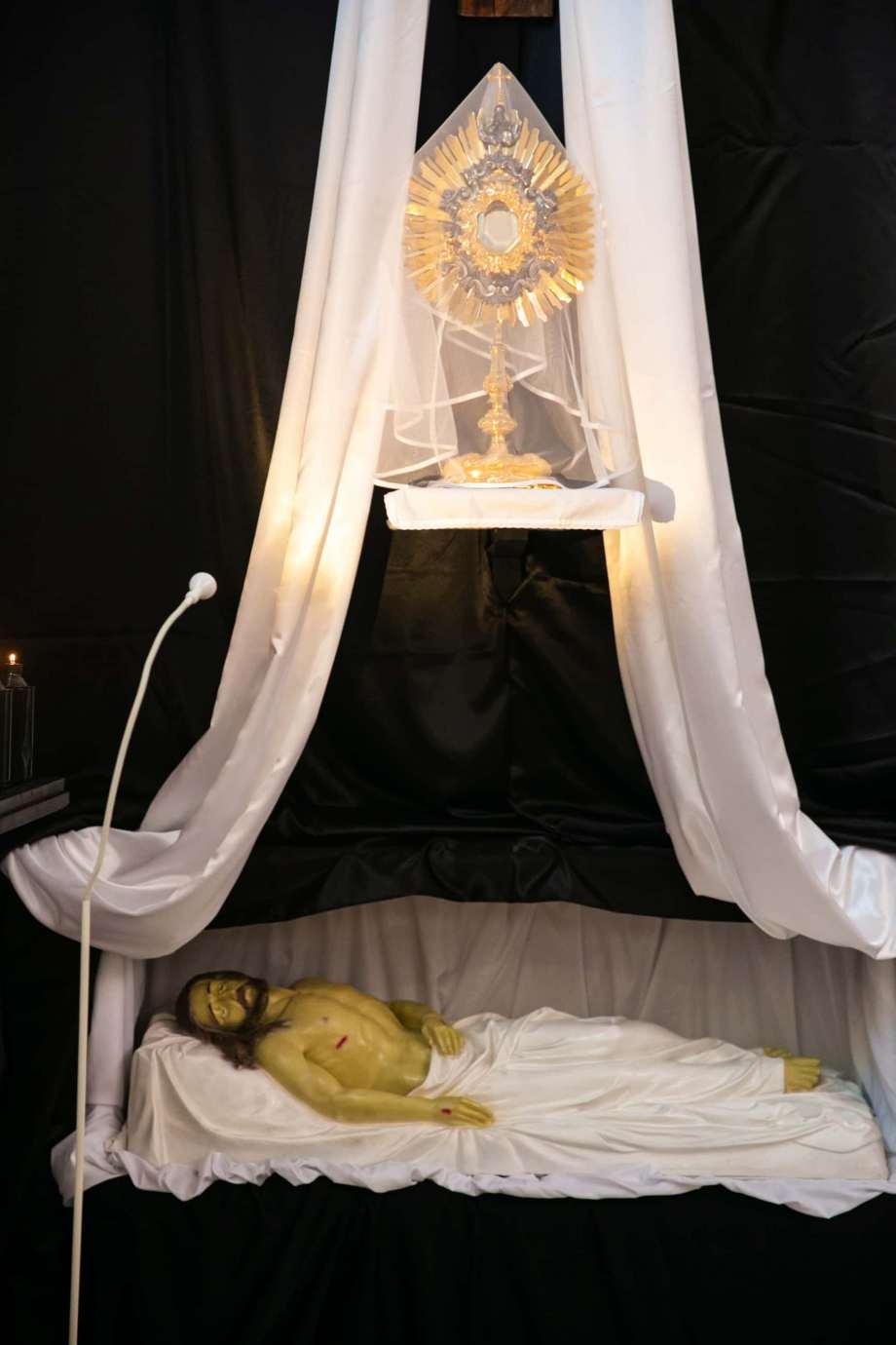 parafia pw swietego krzyza w zamosciu 10 Zdjęcia grobów pańskich w zamojskich świątyniach