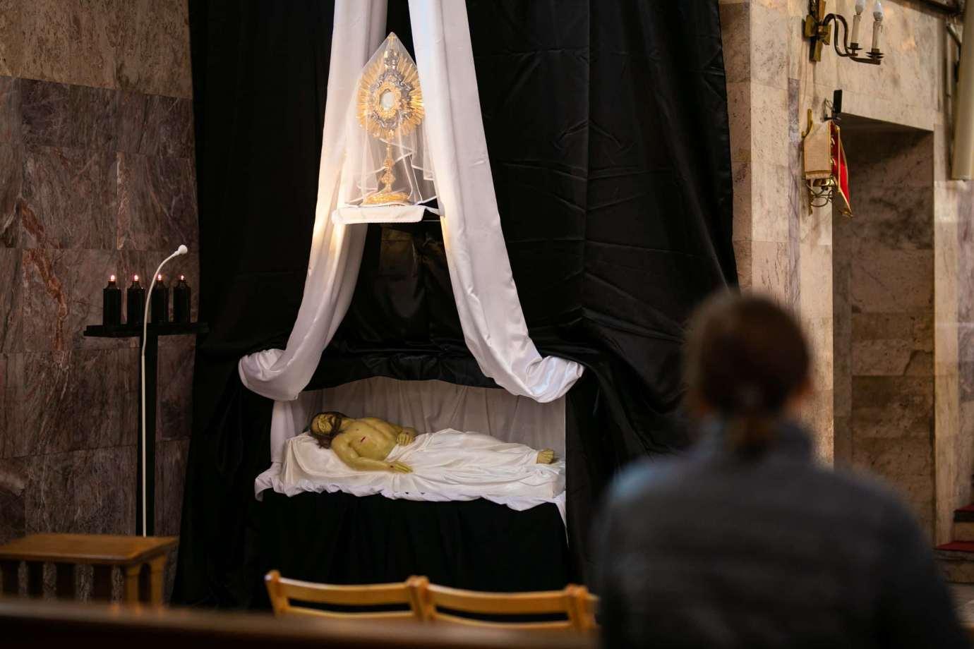 parafia pw swietego krzyza w zamosciu 2 Zdjęcia grobów pańskich w zamojskich świątyniach