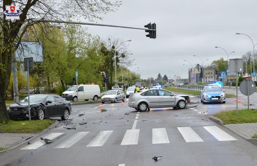 68 167042 Wypadek na Wyszyńskiego (zdjęcia)