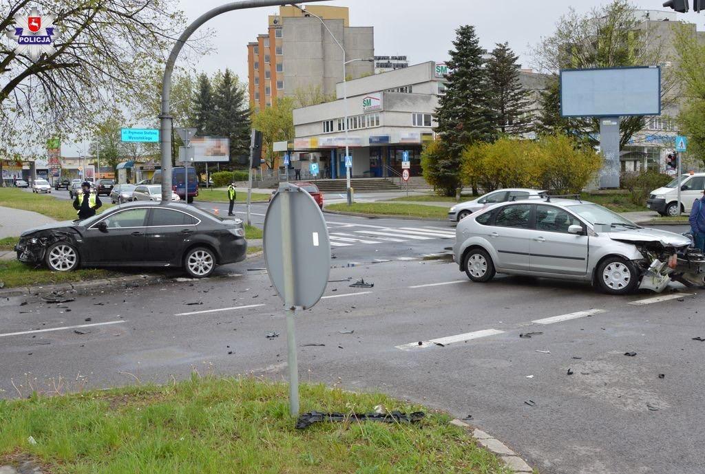 68 167043 Wypadek na Wyszyńskiego (zdjęcia)
