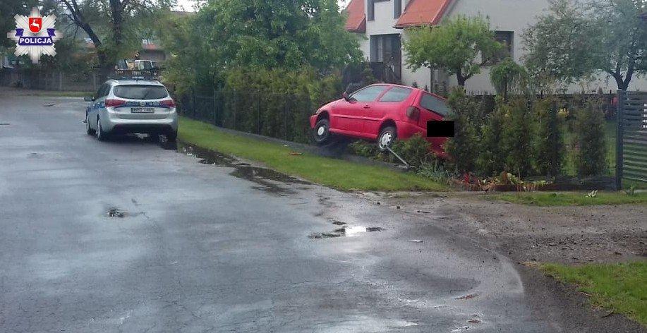 68 167929 Pijany, bez prawa jazdy i pożyczonym autem jechał do dziewczyny