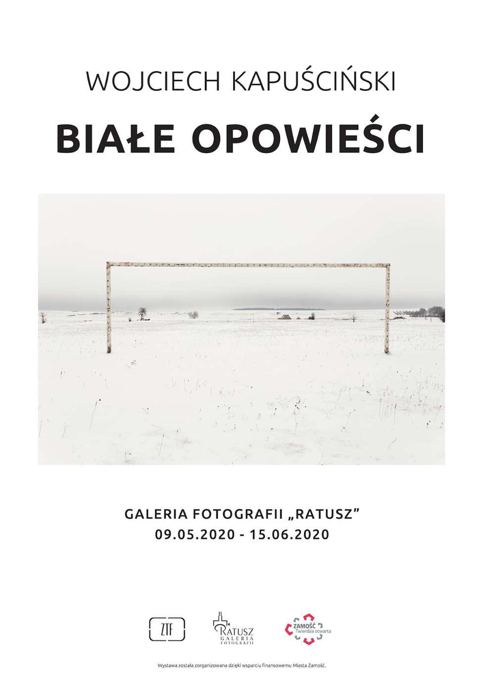 kapuscinski plakat web Białe opowieści w Galerii Fotografii Ratusz