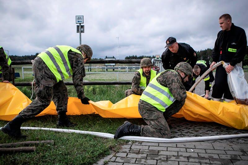 2 lbot bilgoraj 4 Żołnierze 2 LBOT wspierają służby w przeciwdziałaniu podtopieniom w gminie Biłgoraj