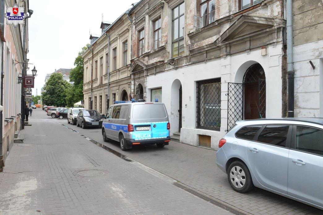 68 168450 Uratował życie 52-letniemu mężczyźnie w mieszkaniu na Żeromskiego! (Zdjęcia)