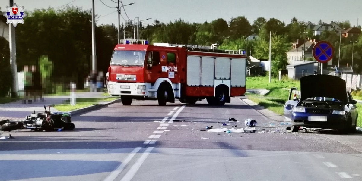68 168937 Tragedia na drodze. Zderzenie Audi z motocyklem. Motocyklista nie żyje.