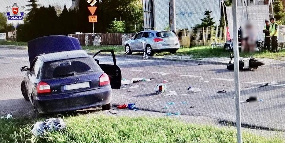 68 168938 Tragedia na drodze. Zderzenie Audi z motocyklem. Motocyklista nie żyje.