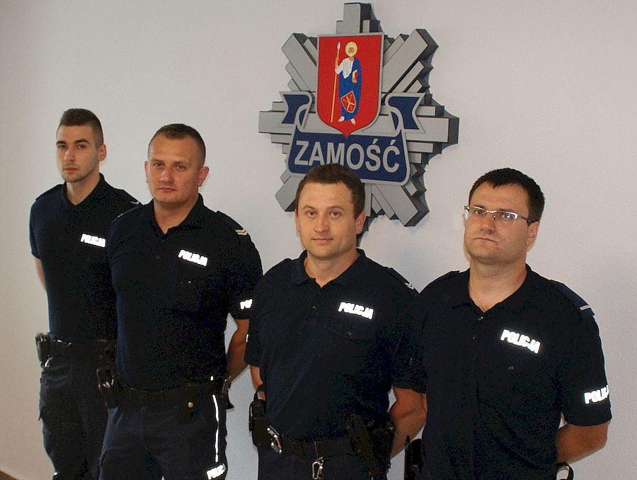 68 169004 Zamość: Policjanci uratowali mężczyznę z płonącego mieszkania