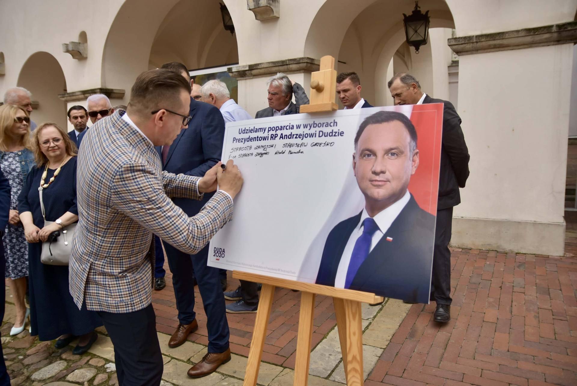 dsc 7776 Zamość: Udzielili poparcia prezydentowi Andrzejowi Dudzie