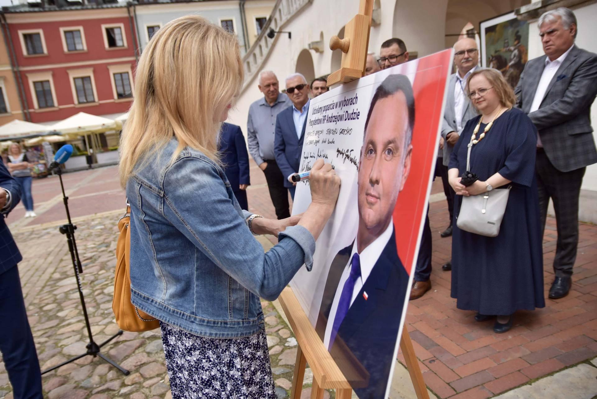 dsc 7782 Zamość: Udzielili poparcia prezydentowi Andrzejowi Dudzie