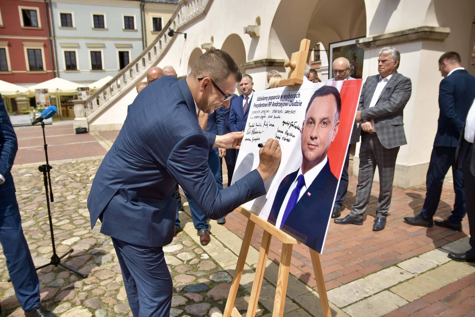 dsc 7785 Zamość: Udzielili poparcia prezydentowi Andrzejowi Dudzie