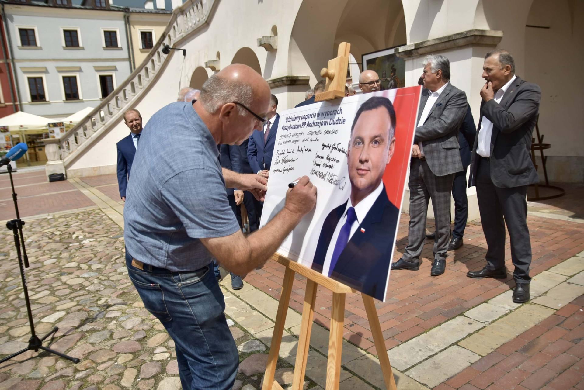 dsc 7786 Zamość: Udzielili poparcia prezydentowi Andrzejowi Dudzie
