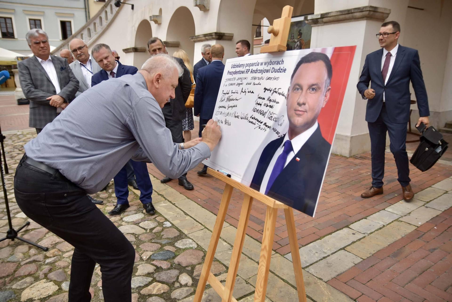 dsc 7789 Zamość: Udzielili poparcia prezydentowi Andrzejowi Dudzie